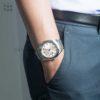 Đồng hồ Citizen AW1100-56W đeo trên tay