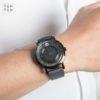 Đồng hồ Movado 606568 đeo trên tay
