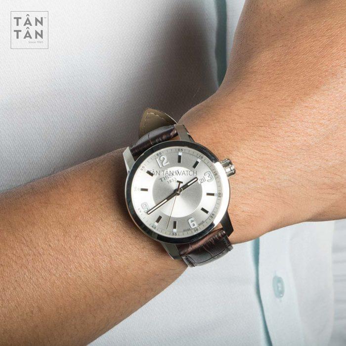 Đồng hồ Tissot T055.410.16.037.00 đeo trên tay