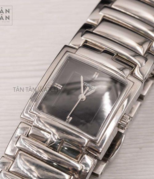 Đồng hồ Tissot T051.310.11.051.00 mặt trước