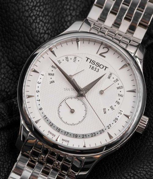 Đồng hồ Tissot T063.637.11.037.00 mặt trước