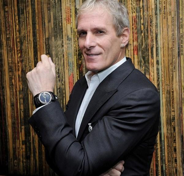 Michael_Bolton_v_i_Gucci_Grammy_Watch