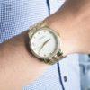 Đồng hồ Citizen BI5032-56A đeo trên tay