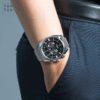 Đồng hồ Citizen CA4280-53E đeo trên tay