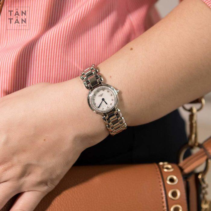 Đồng hồ Longines L8.109.0.87.6 đeo trên tay