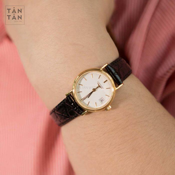 Đồng hồ Longines L4.319.2.12.2 đeo trên tay