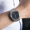 Đồng hồ Citizen CA0650-82M đeo trên tay