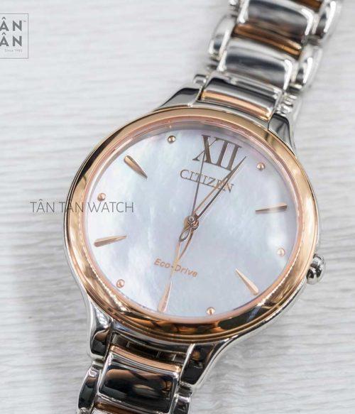 Đồng hồ Citizen EM0556-87D mặt trước