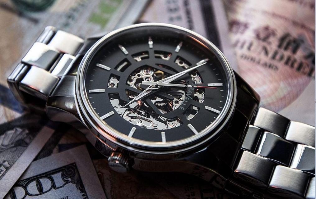 Lịch sử đồng hồ Caravelle, Đồng hồ Caravelle của nước nào ? 1