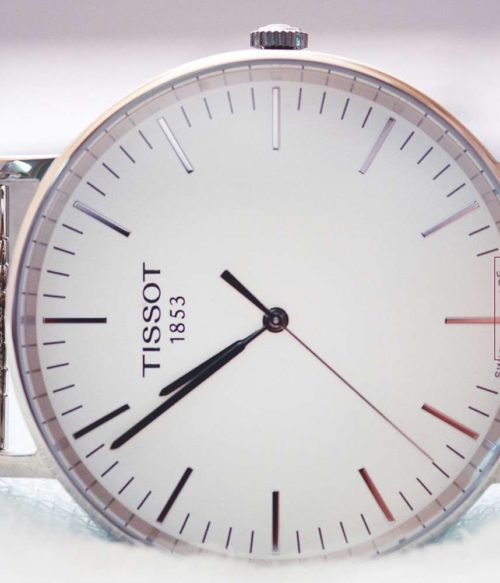 Đồng hồ Tissot T109.610.11.031.00 mặt trước
