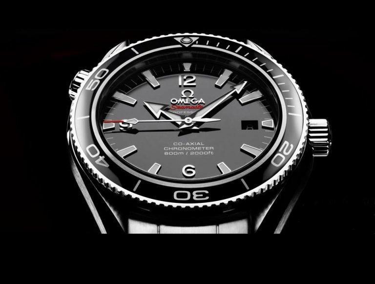 phân biệt đồng hồ Omega thật giả
