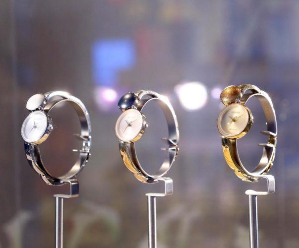 Lịch sử đồng hồ năng lượng ánh sáng