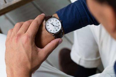 làm thế nào kiểm tra độ chính xác của đồng hồ cơ