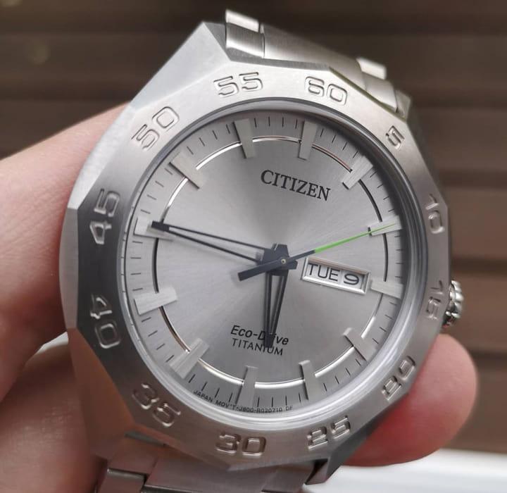 ký tự thông dụng trên đồng hồ