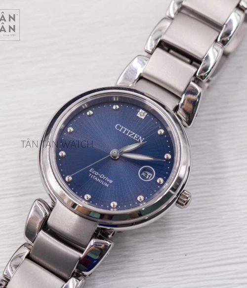 Đồng hồ Citizen EW2500-88L mặt trước