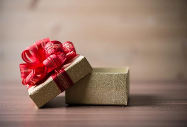Tổng hợp những món quà sinh nhật ý nghĩa và hợp xu hướng 2019 2